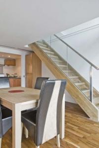 esc aa les escaliers de l 39 aa. Black Bedroom Furniture Sets. Home Design Ideas